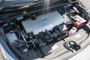 トヨタ・プリウスのエンジンルーム
